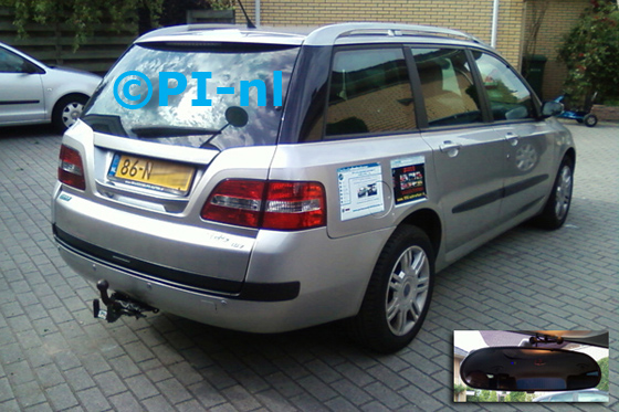 Fiat Stilo Multiwagon uit 2003. De display (set C) is het 'spiegelmodel'.