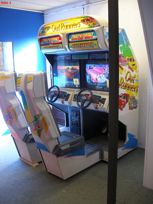TE KOOP: Sega OutRunners Twin Racers arcade 1993 te koop / for sale.